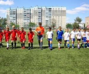Как правильно научиться играть в футбол?